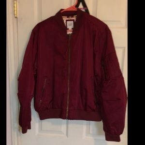 New GAP holographic maroon/punk puffer sweater